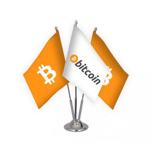 Üçlü Bitcoin Masa Bayrağı Takımı